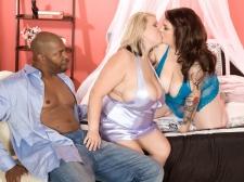 Best of XLGirls Threesomes