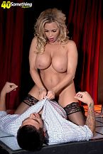 Busty Mother I'D LIKE TO FUCK gogo dancer Amber Lynn suggests extras