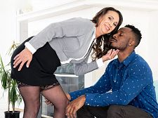 Raelynn can't live without sucking and banging that BBC