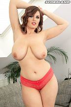 Alexsis Faye: Large Bust Beauty
